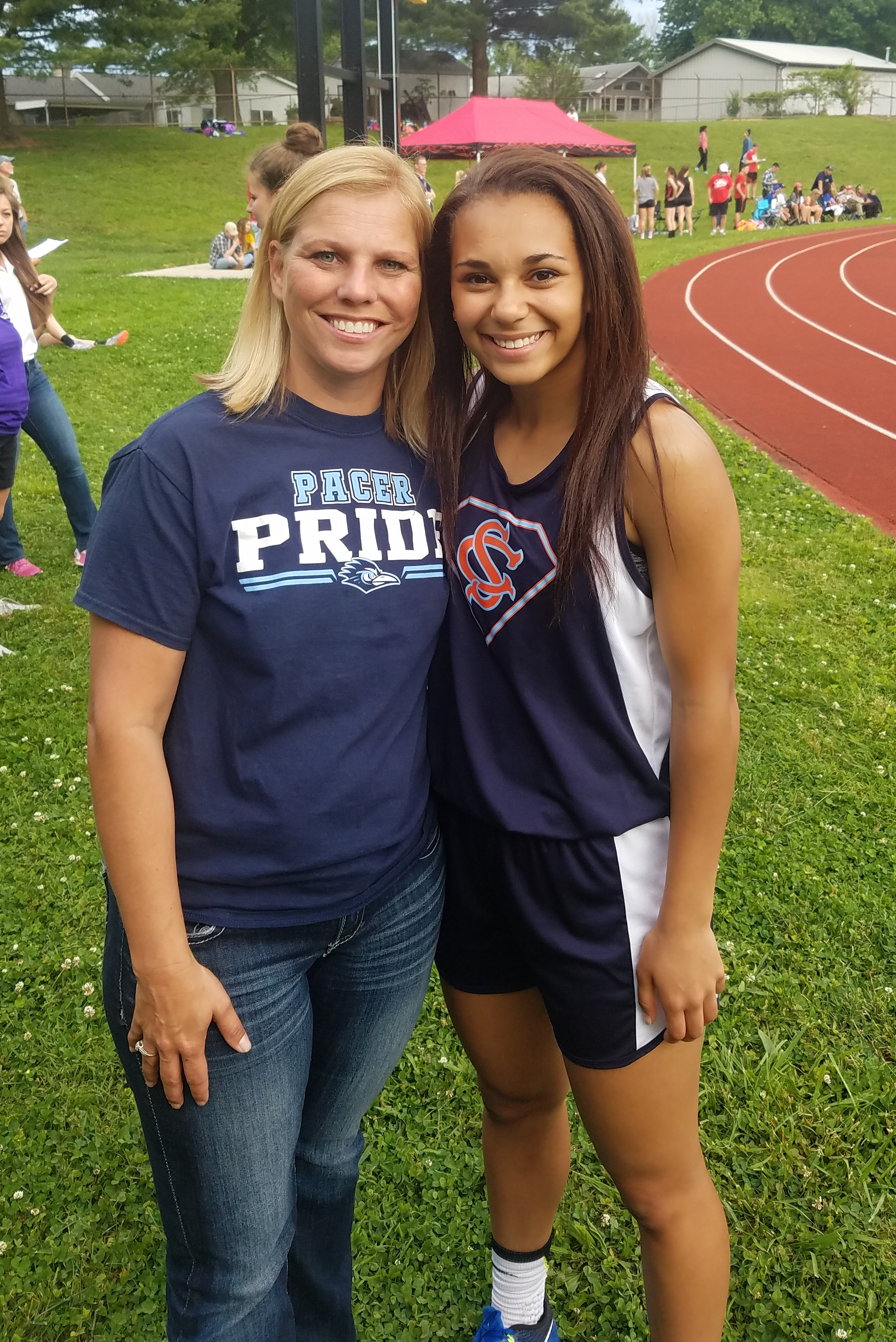 Aleiah Thomas is State Bound in High Jump!