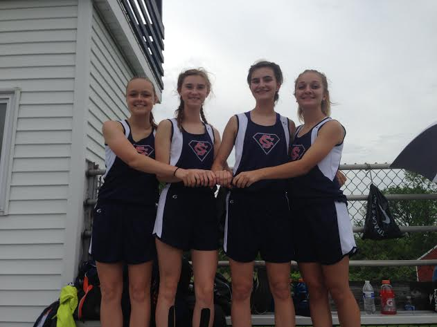 SC Girls 3200 Relay Team breaks School Record!!