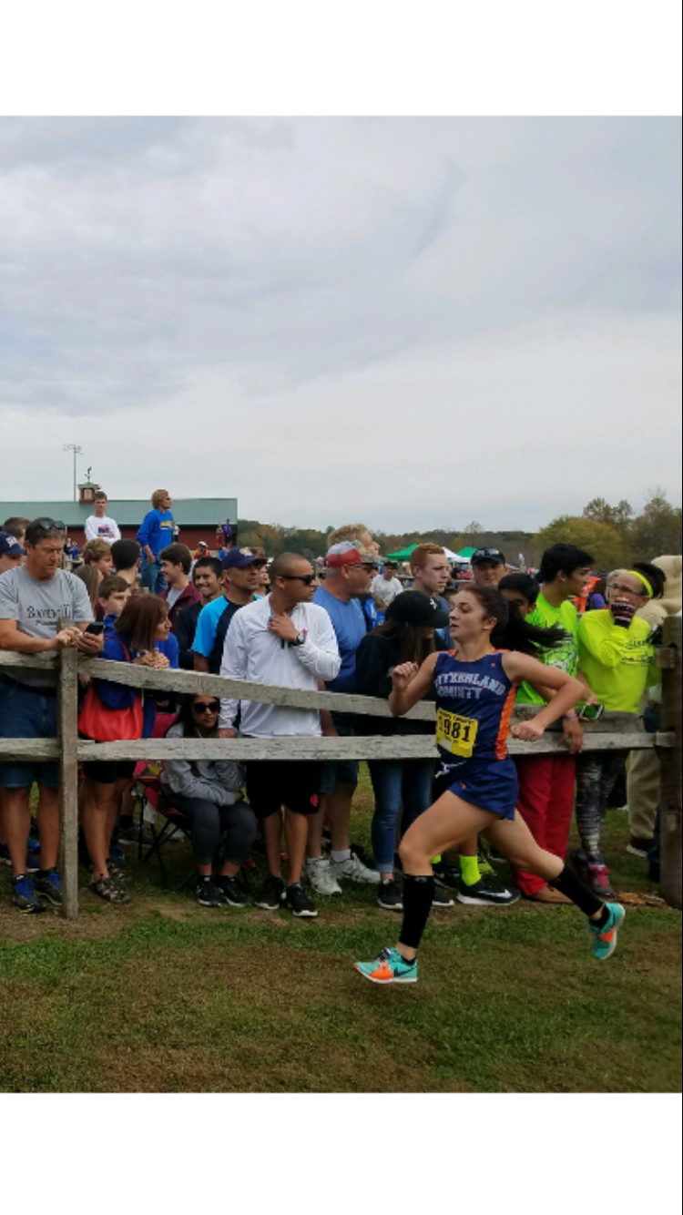 Leah Anders Qualifies for State in XC